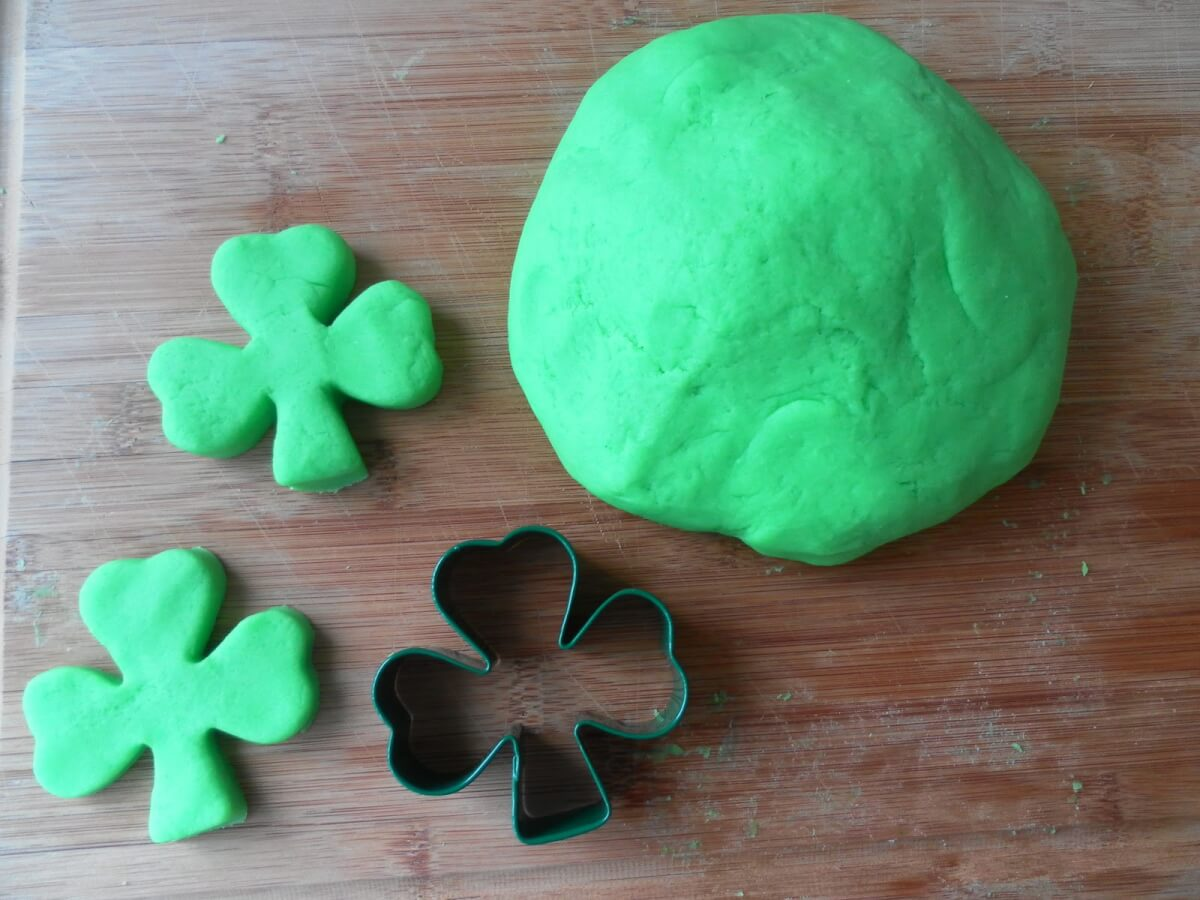 St. Patrick's Day For Children Play-Dough Shamrock Cookie Cutter