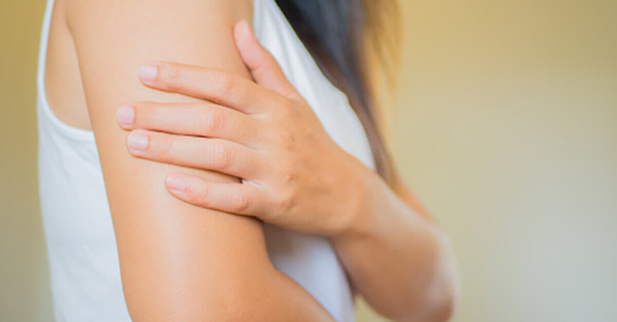 Essential oils, carrier oils, and hydrosols can help with dry skin