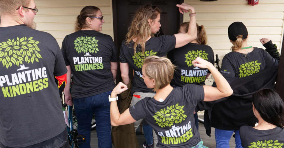 Twin Falls Planting Kindness crew at work
